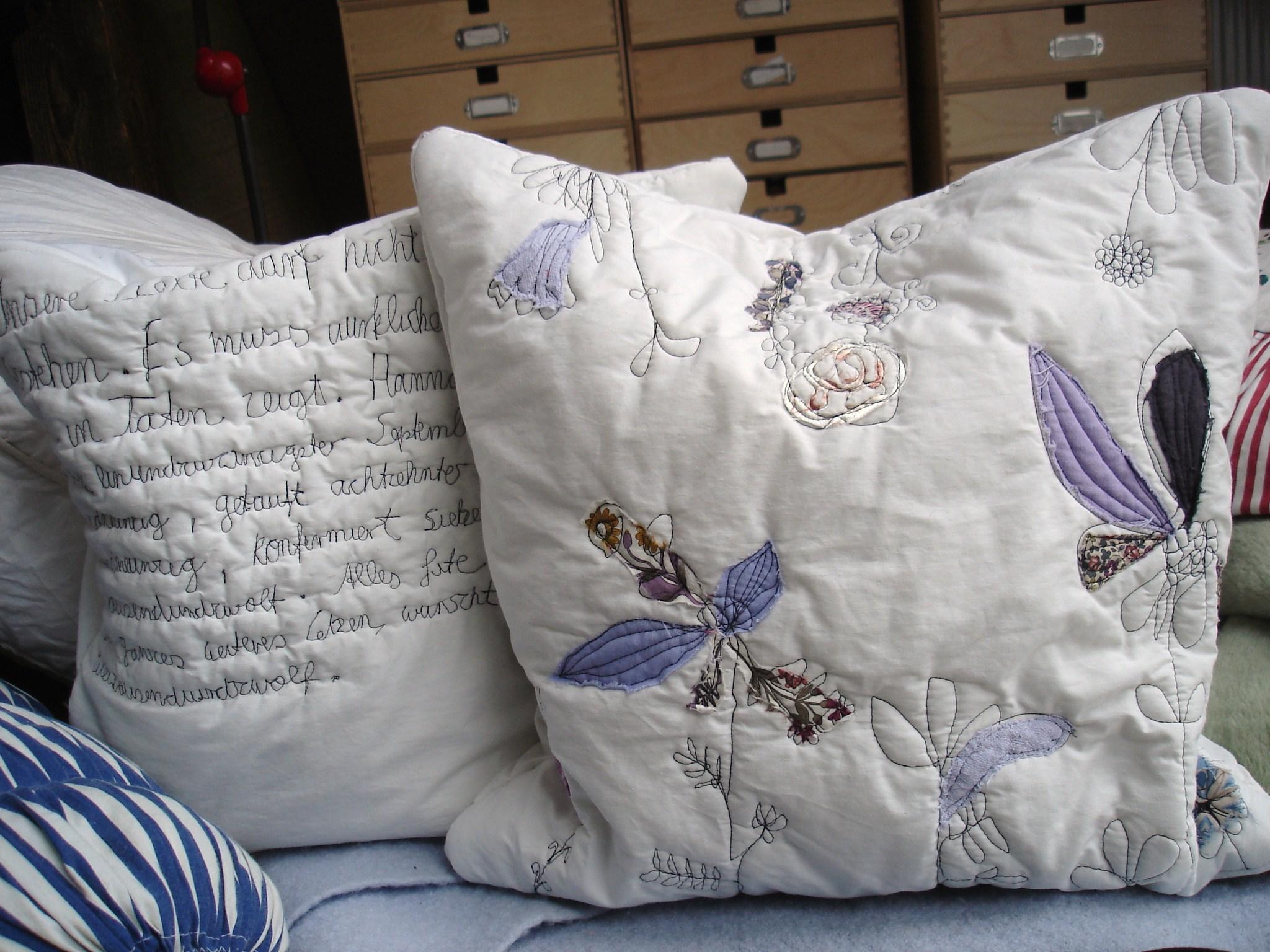 poetisch kissen finest uevon kisten und kissenuc with poetisch kissen entdecken sie die. Black Bedroom Furniture Sets. Home Design Ideas