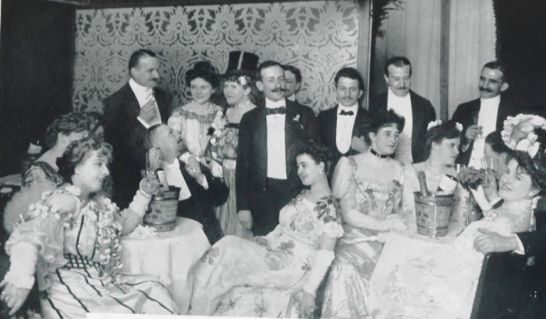 1904 frau1